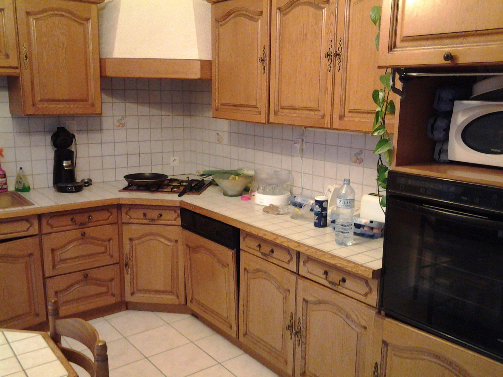 Relooking Cuisine Avant Après rénover une cuisine : comment repeindre une cuisine en chêne