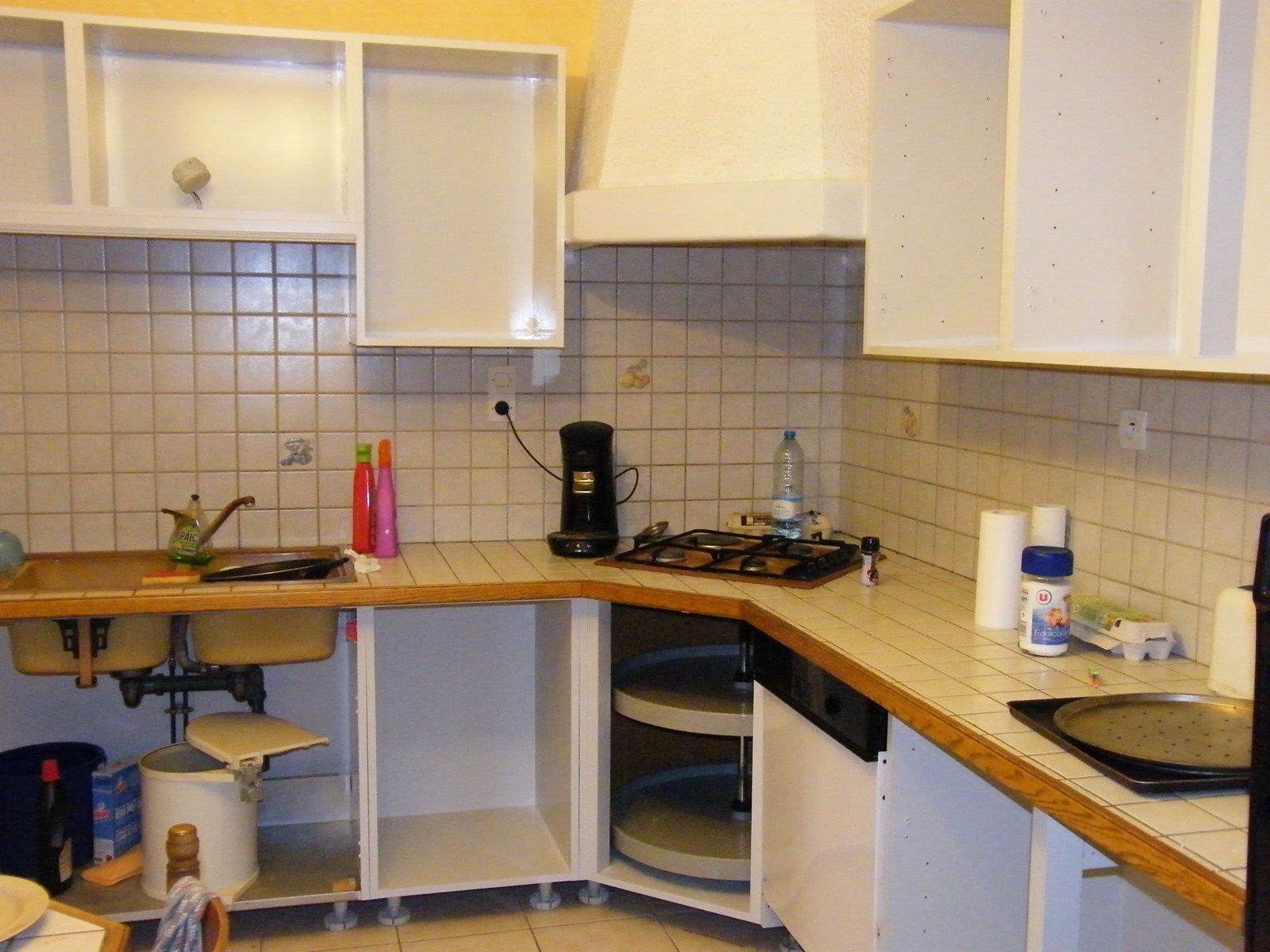 Nettoyer Les Placards De Cuisine rénover une cuisine : comment repeindre une cuisine en chêne
