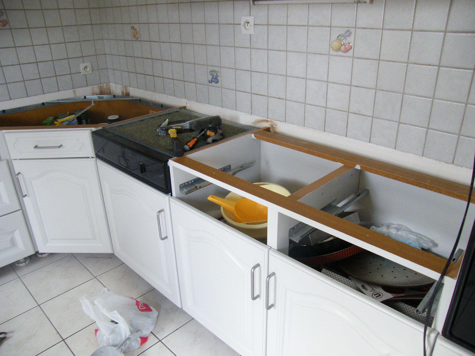 Cacher Plan De Travail Cuisine rénover une cuisine : comment repeindre une cuisine en chêne