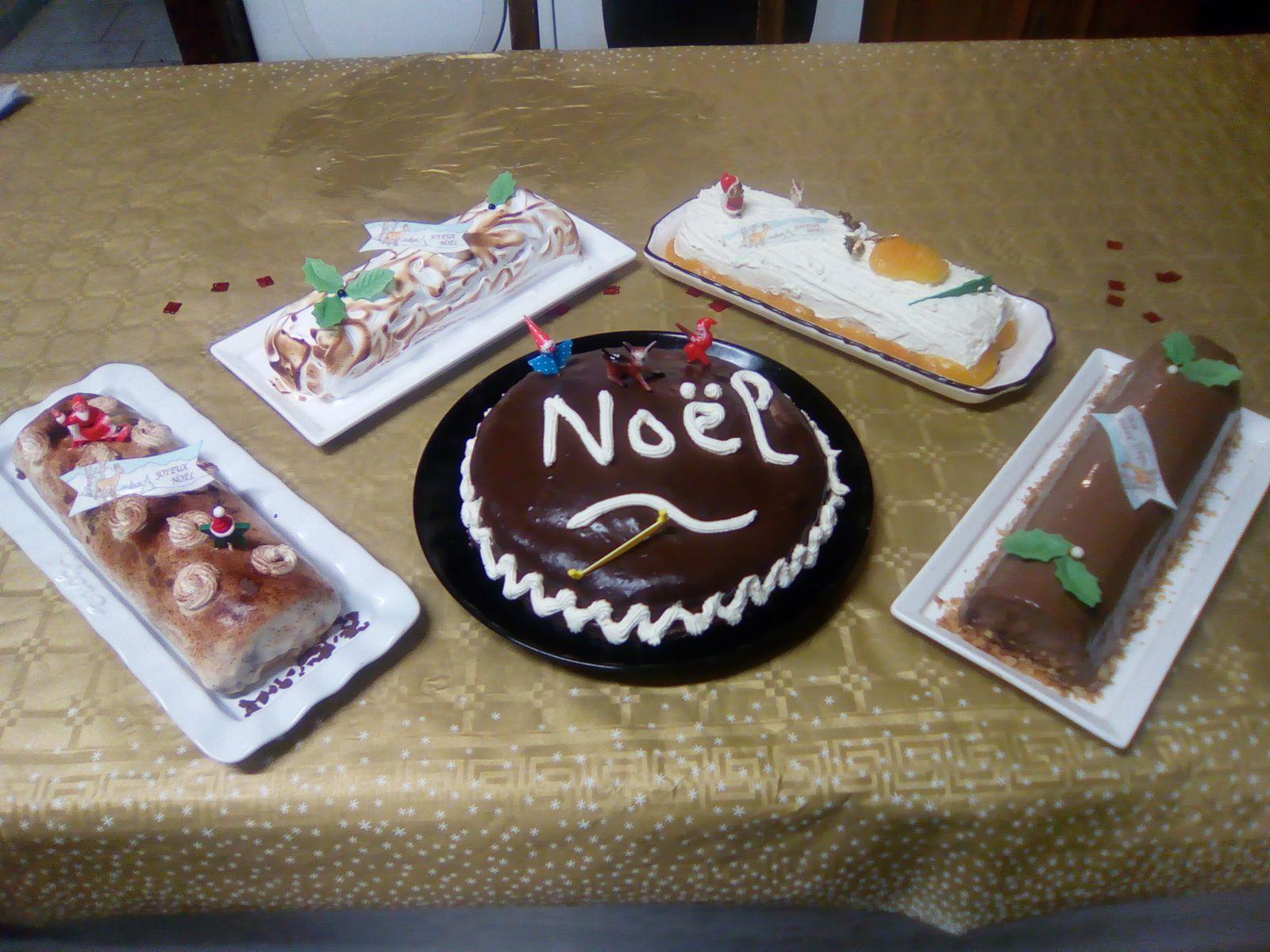 Recettes de desserts de Noël (bûches, nougat...)