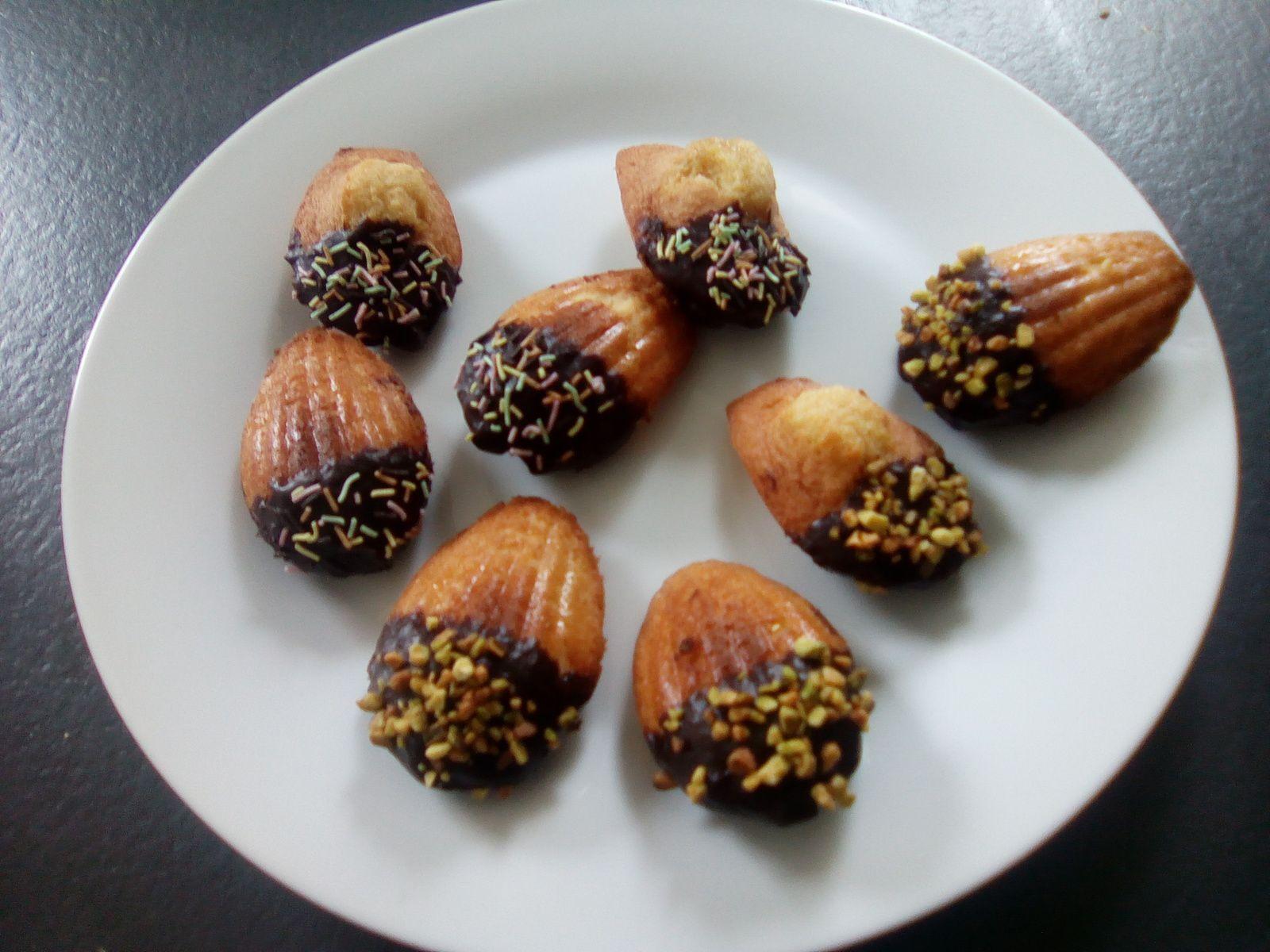 Madeleines chocolat pistache (companion ou pas) sans temps de repos et avec belle bosse