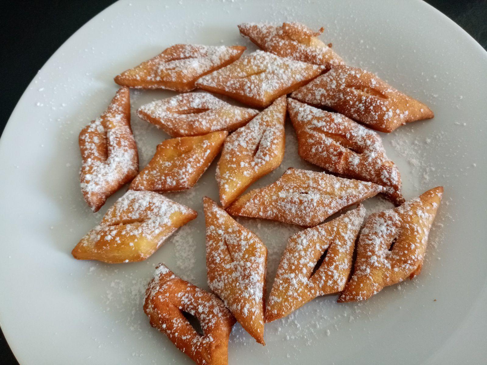 Bugnes moelleuses au sucre (companion ou pas)