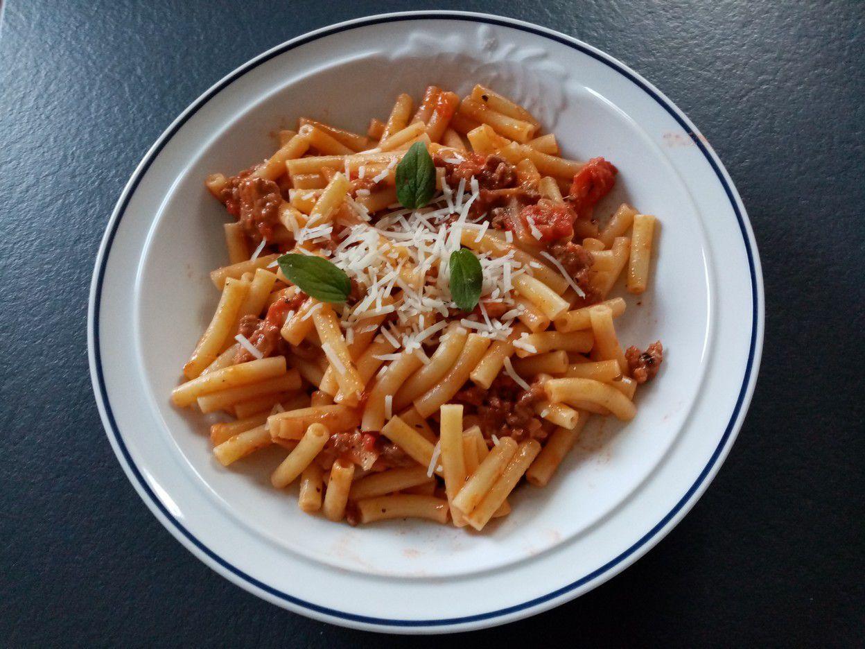 Macaroni au ragout à la tomate mozzarella de Cyril Lignac