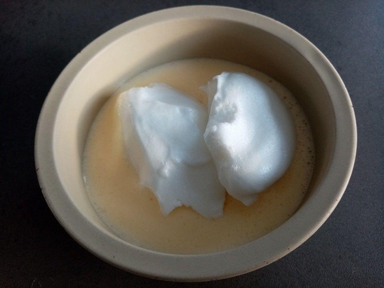Oeufs en neige au citron vert et crème anglaise à la vanille de Cyril Lignac