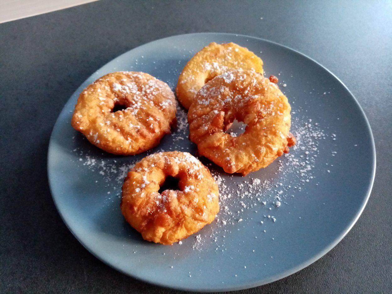 Beignets aux pommes de Cyril Lignac dans tous en cuisine