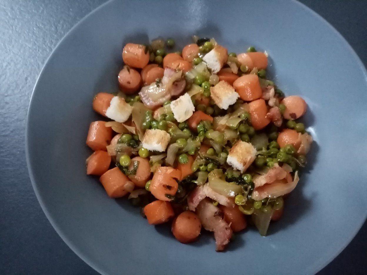 Petits pois à la française et saucisse de Cyril Lignac dans tous en cuisine
