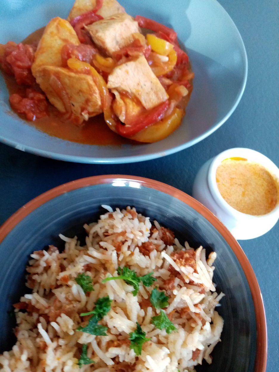 Poulet basquaise, riz cuisiné et crème de chorizo de Cyril Lignac dans tous en cuisine