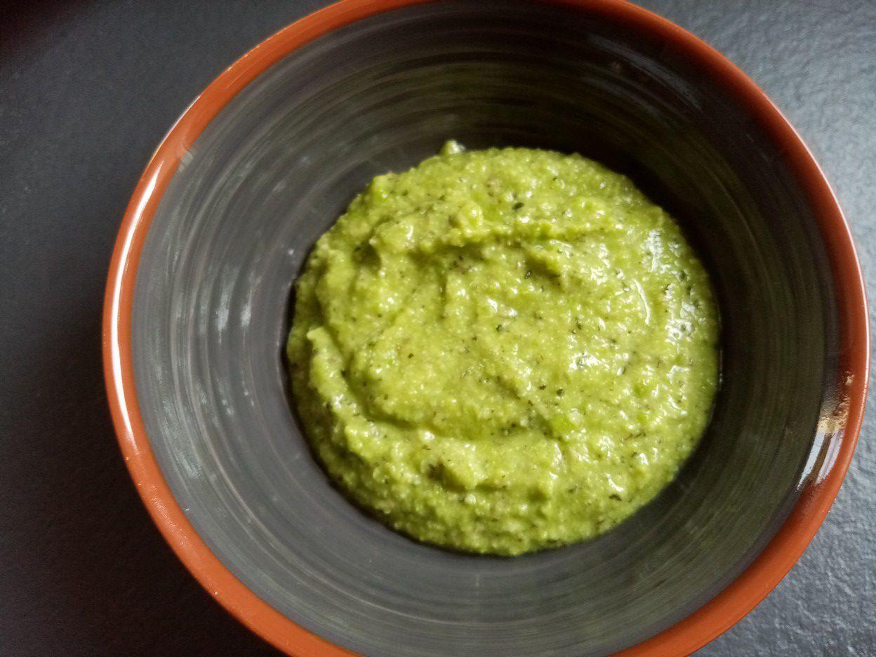 Pesto de petits pois à la menthe de Cyril Lignac dans tous en cuisine