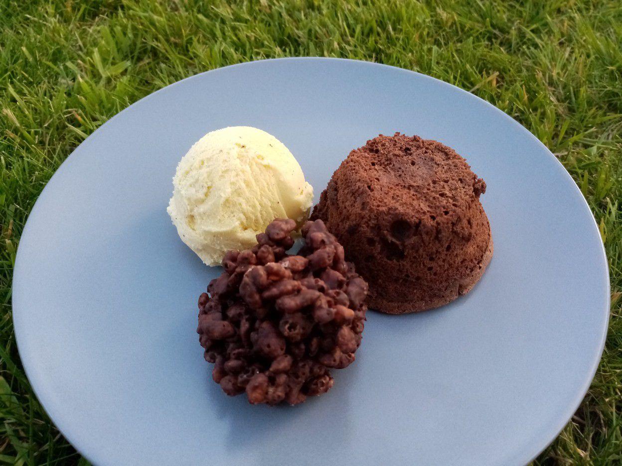 Soufflé au chocolat et riz soufflé caramélisé