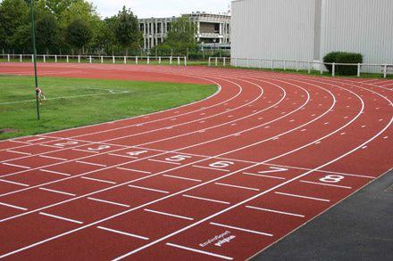 Pourquoi la piste d'athlétisme mesure 400m ?