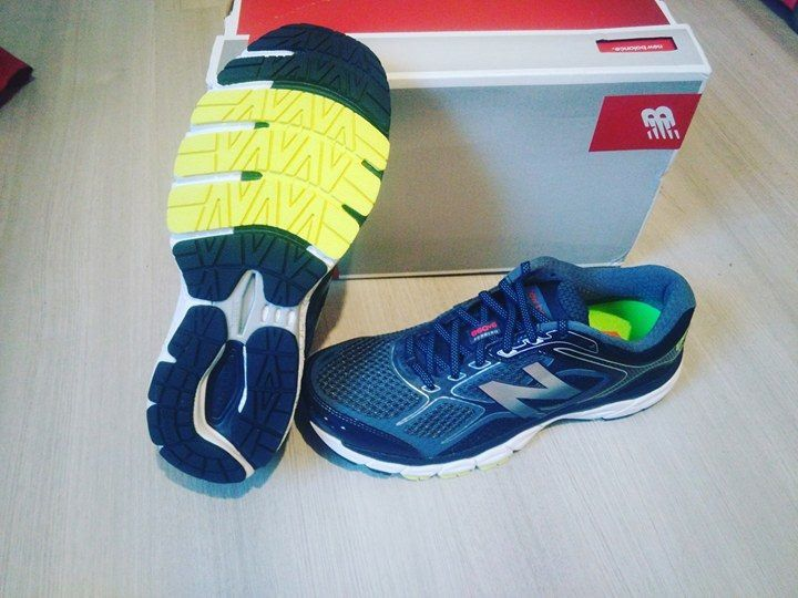 New Balance 860 hommes taille 8,5