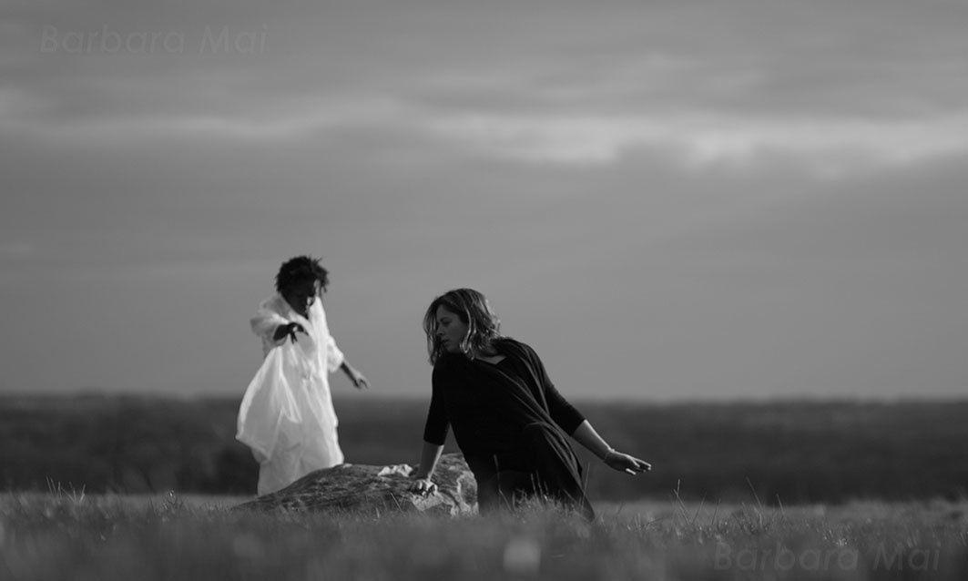 Danse avec la terre, Tremblement, 2010 © Barbara Mai