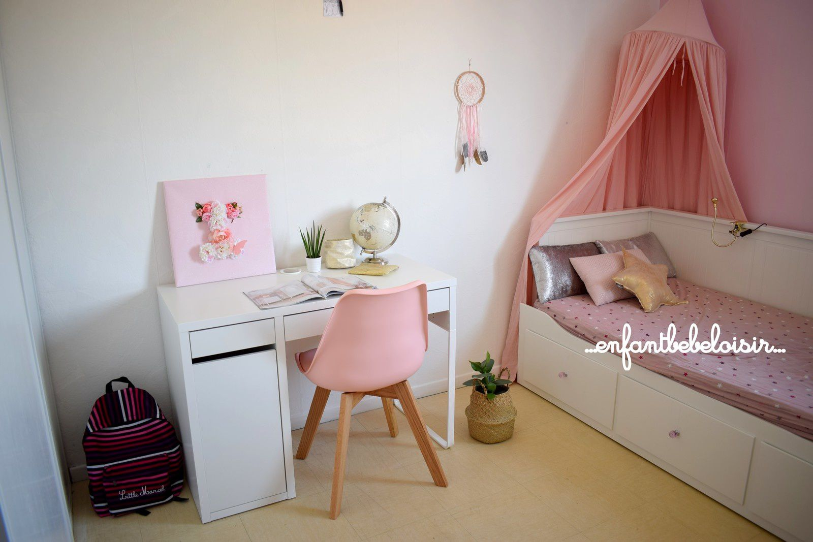 un joli bureau pour ma fille direction le cp enfant b b loisir. Black Bedroom Furniture Sets. Home Design Ideas