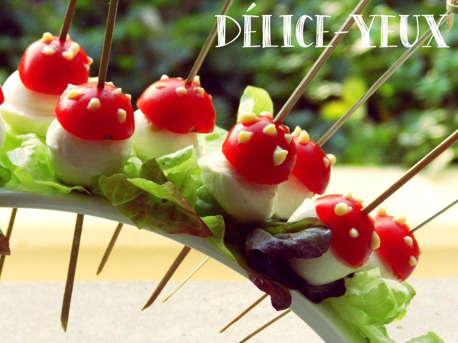 Champignons vénéneux (Tomates & Mozzarella) {Halloween}