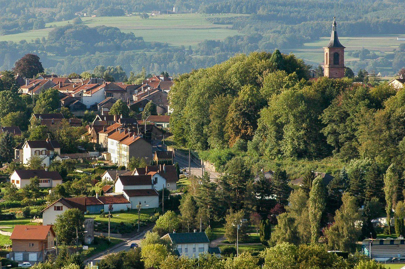 BRUYÈRES-VOSGES à l'époque des bérets basques