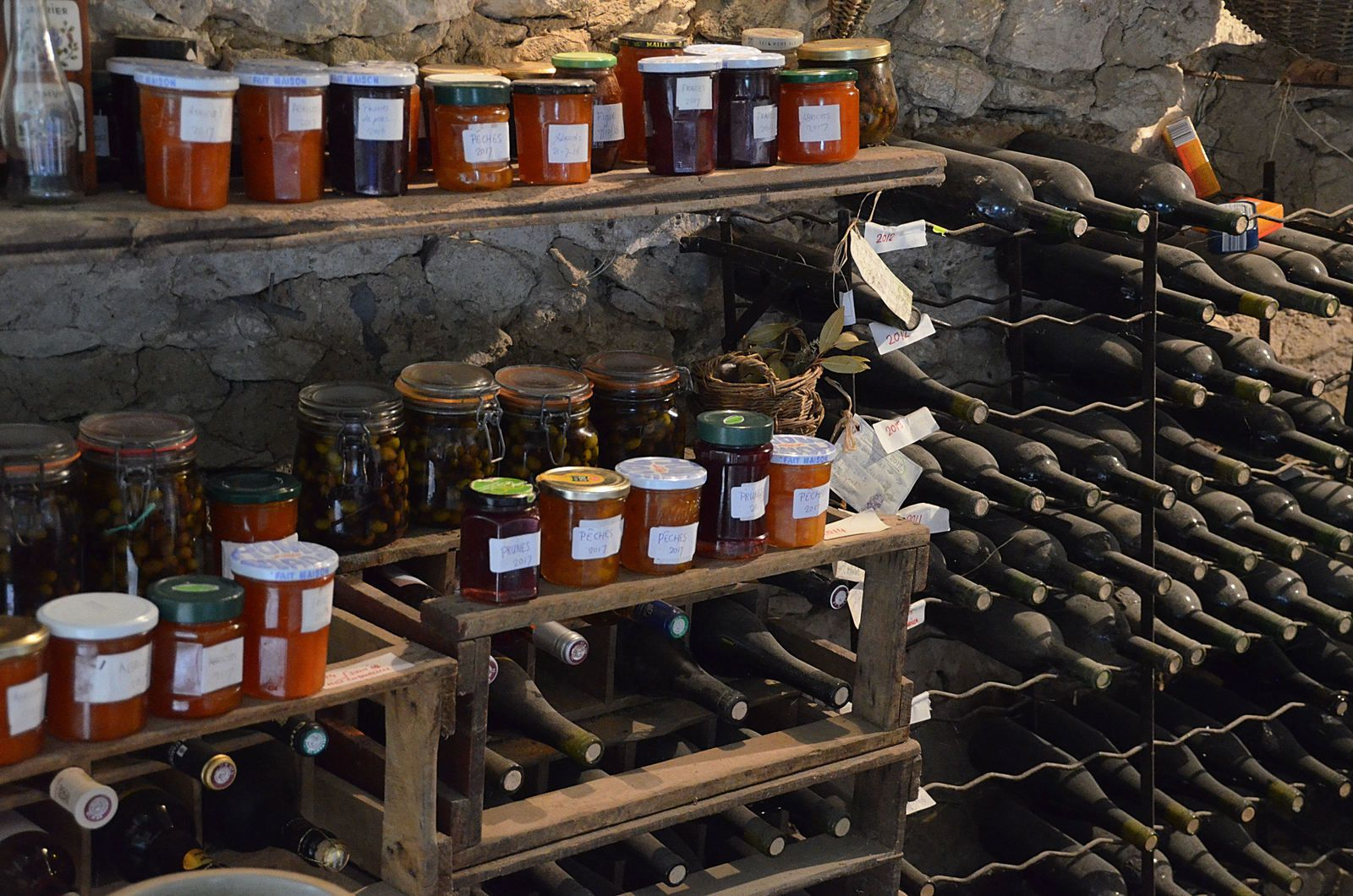 Domaine Les Cyprès - Atelier - Potager - Conserves