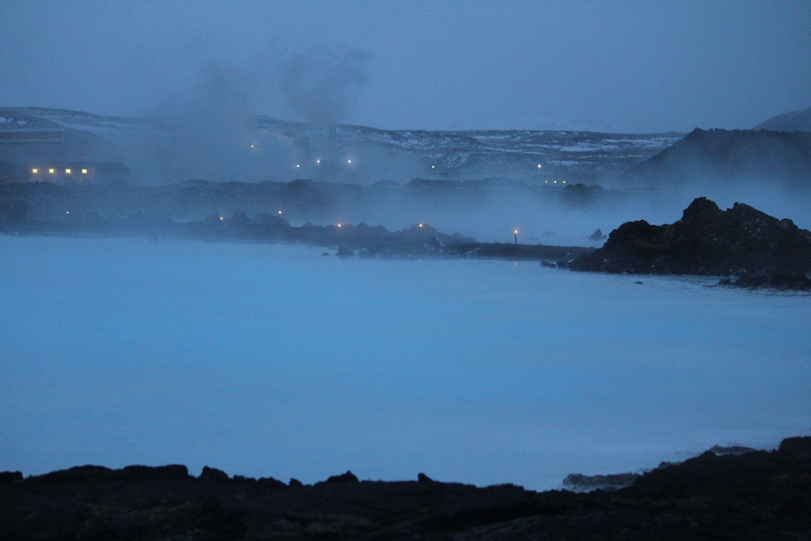 Balade à l'aube totalement seule autour du Blue Lagoon
