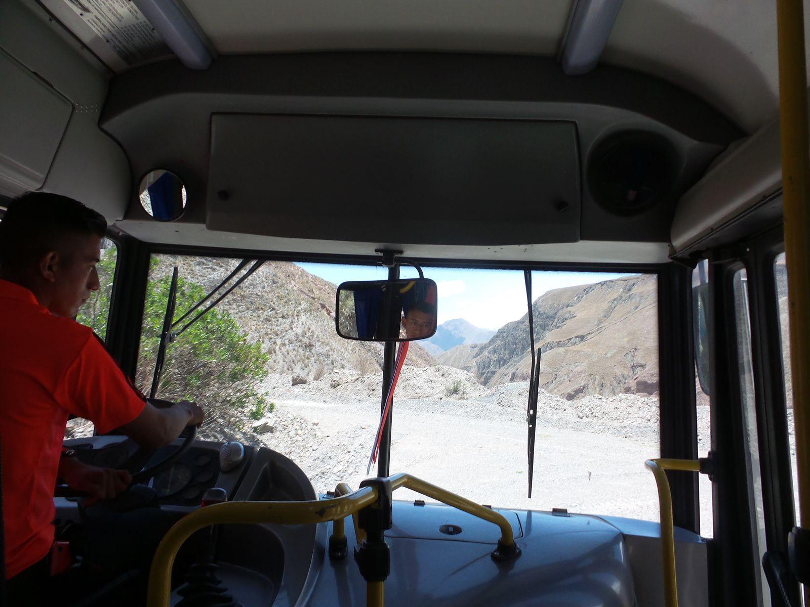 Le bus et notre jeune chauffeur