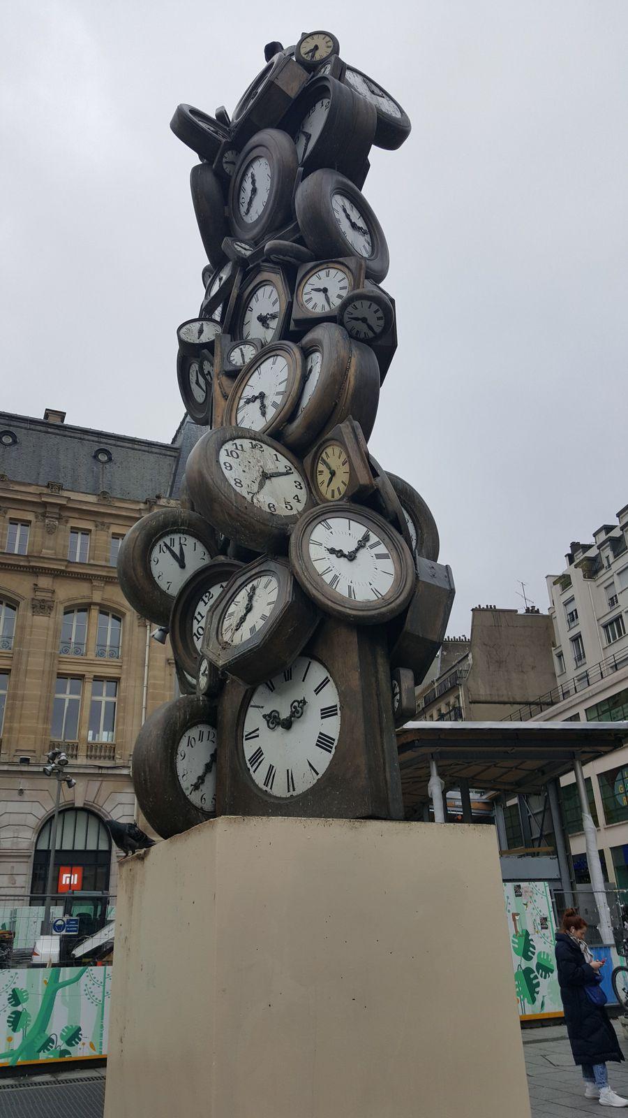 Scène de rue : Horloge Gare Saint Lazare