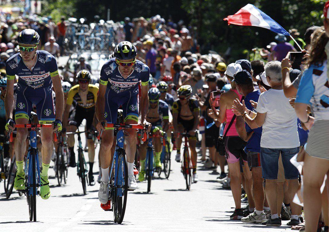 Ambiance du Tour de France .. à 5 kms de l'arrivée ( 5e étape: la planche aux belles filles- Vosges du sud)
