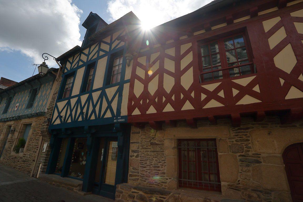 JOSSELIN ... ses façades... son château  ( Morbihan)