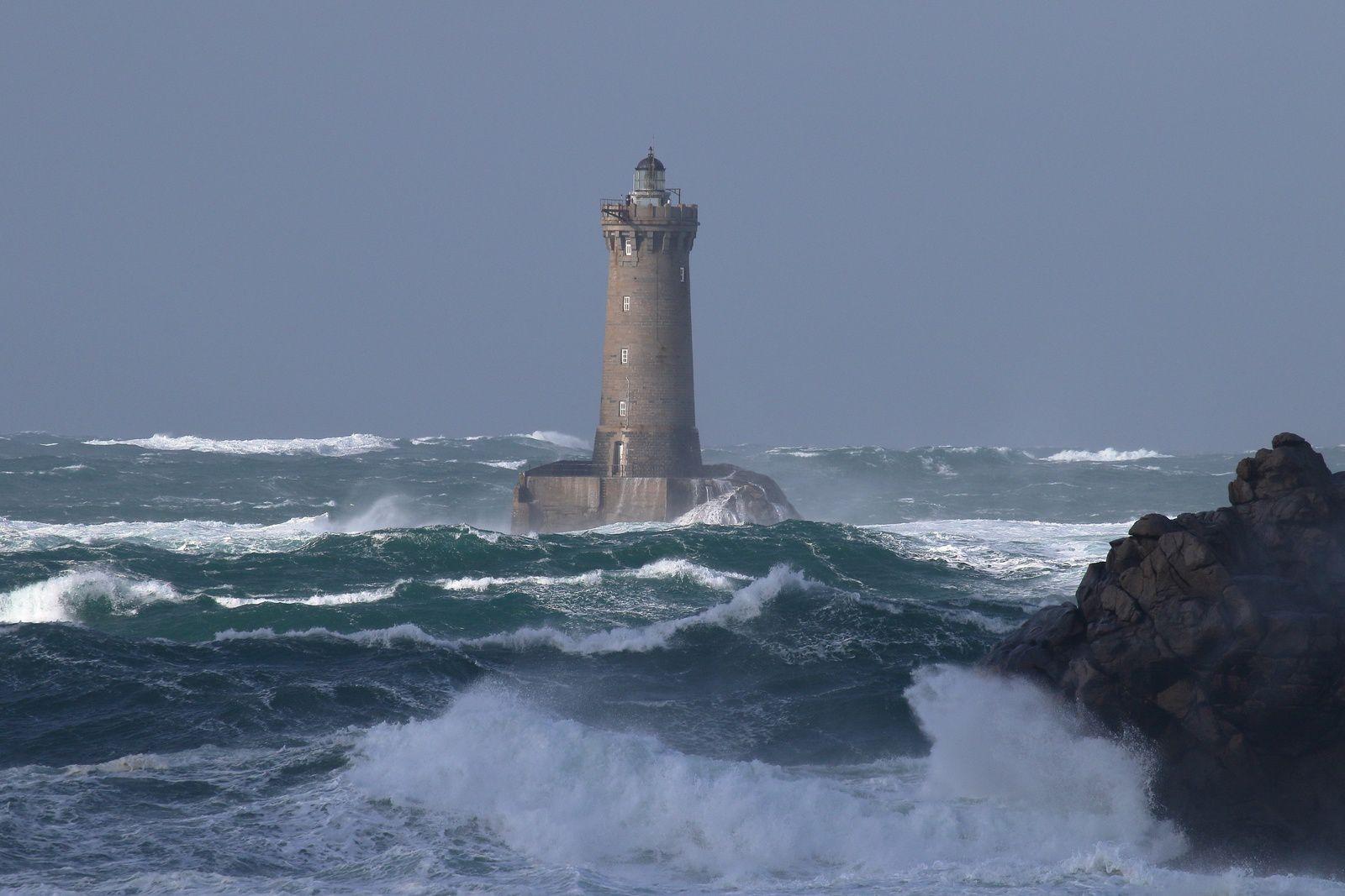 Samedi 02 Novembre : Coup de vent sur le phare du FOUR ( avant l'arrivée de la tempête Amélie)