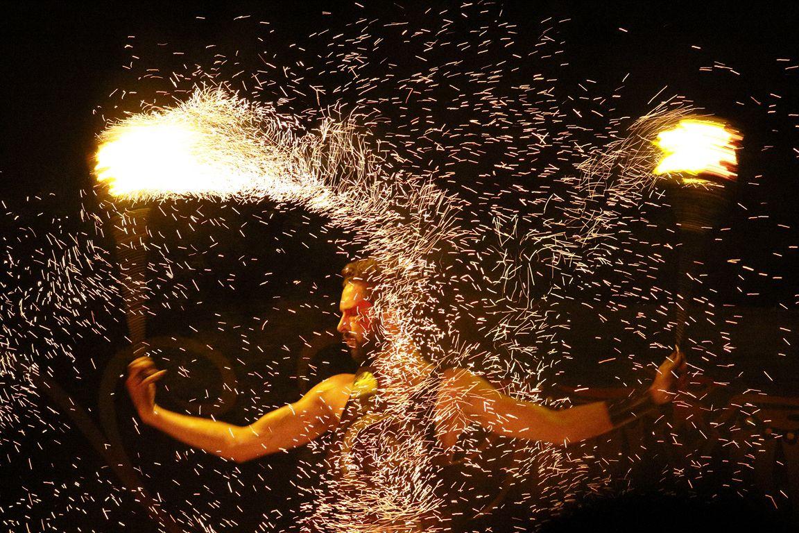 SPECTACLE NOCTURNE : Cie du cercle de feu (Médiévales de Saint Renan 2017)