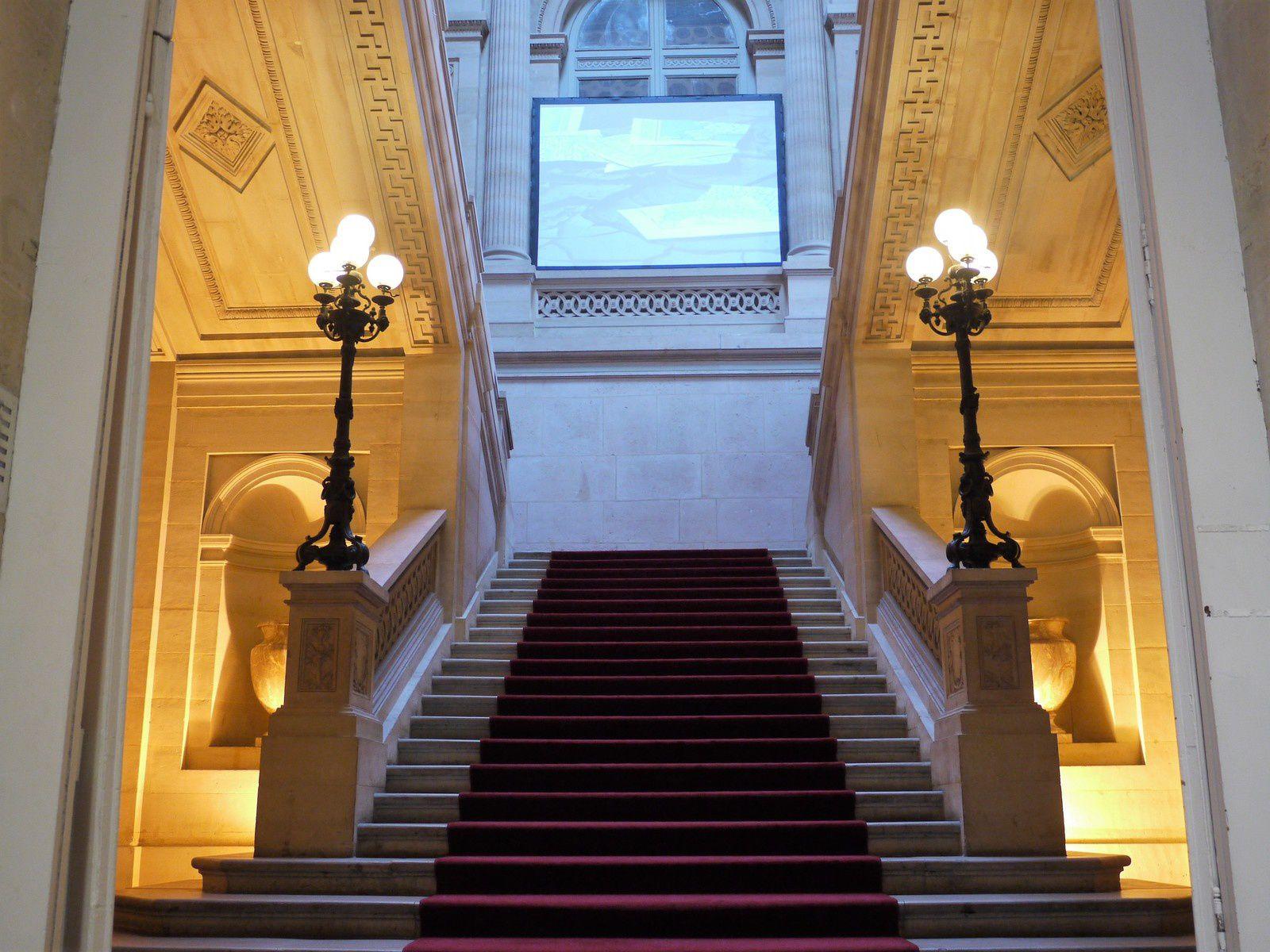 L'accès au deuxième étage de la Monnaie de Paris dédié à l'art contemporain