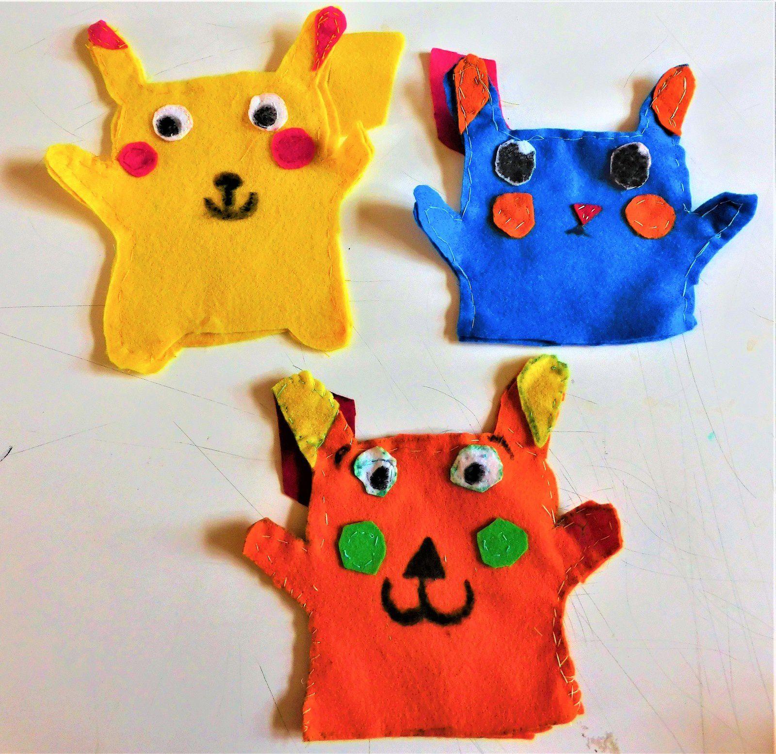Quelques marionnettes bariolées Pikachu. #Feutrine #PetiteCouture