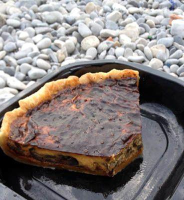 Tarte aux aubergines, fromage et crème de tomate