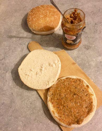 Burger au chèvre et pesto aux champignons, truffes et parmesan