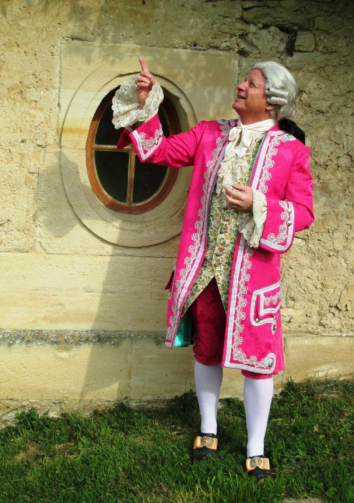 Au Château de Villarceaux, Gyl faisant sa cour à Ninon de Lenclos sous les fenêtre de ses appartements