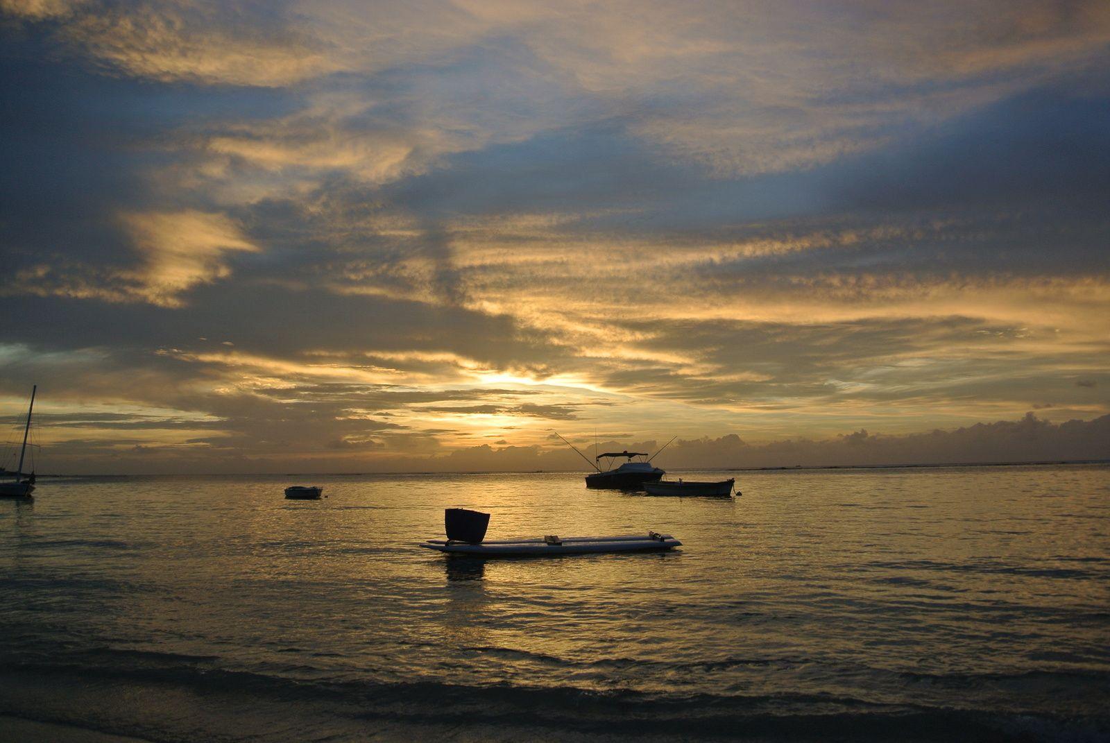 Ile Maurice, un jour d'escale le temps de louer un scooter et explorer les plages.