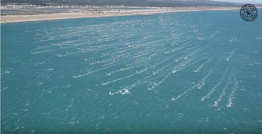 With 1400 windsurfers in the same place at the same time, the Défi Wind of Gruissan is the biggest windsurfing event of the world !