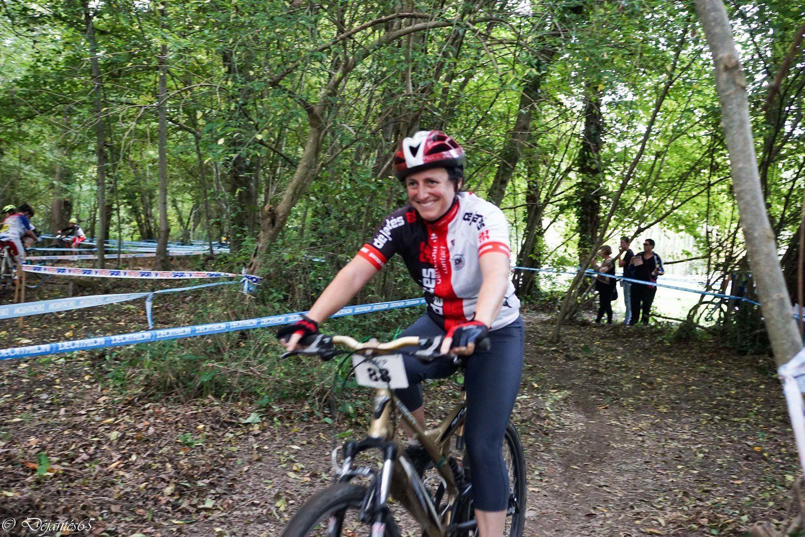 Charlotte grollimund pour son premier cyclo cross , super!!!!!!!!!!