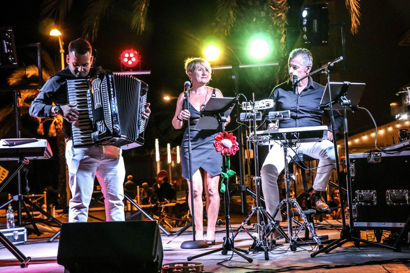 Groupe live pour bal dans le Gard 30