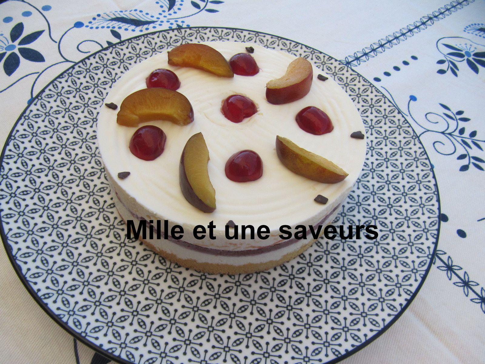 Entremet mousse chocolat blanc et son insert prune