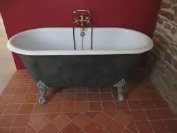 baignoire en fonte ancienne   rénovée année  1900 baignoire en fonte empire ancienne 40 en stock