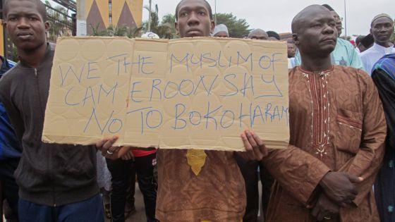 Una marcha en apoyo a la intervención militar contra Boko Haram, esta semana en Yaoundé, Camerún. / Joel Kouam (AP).- El Muni.
