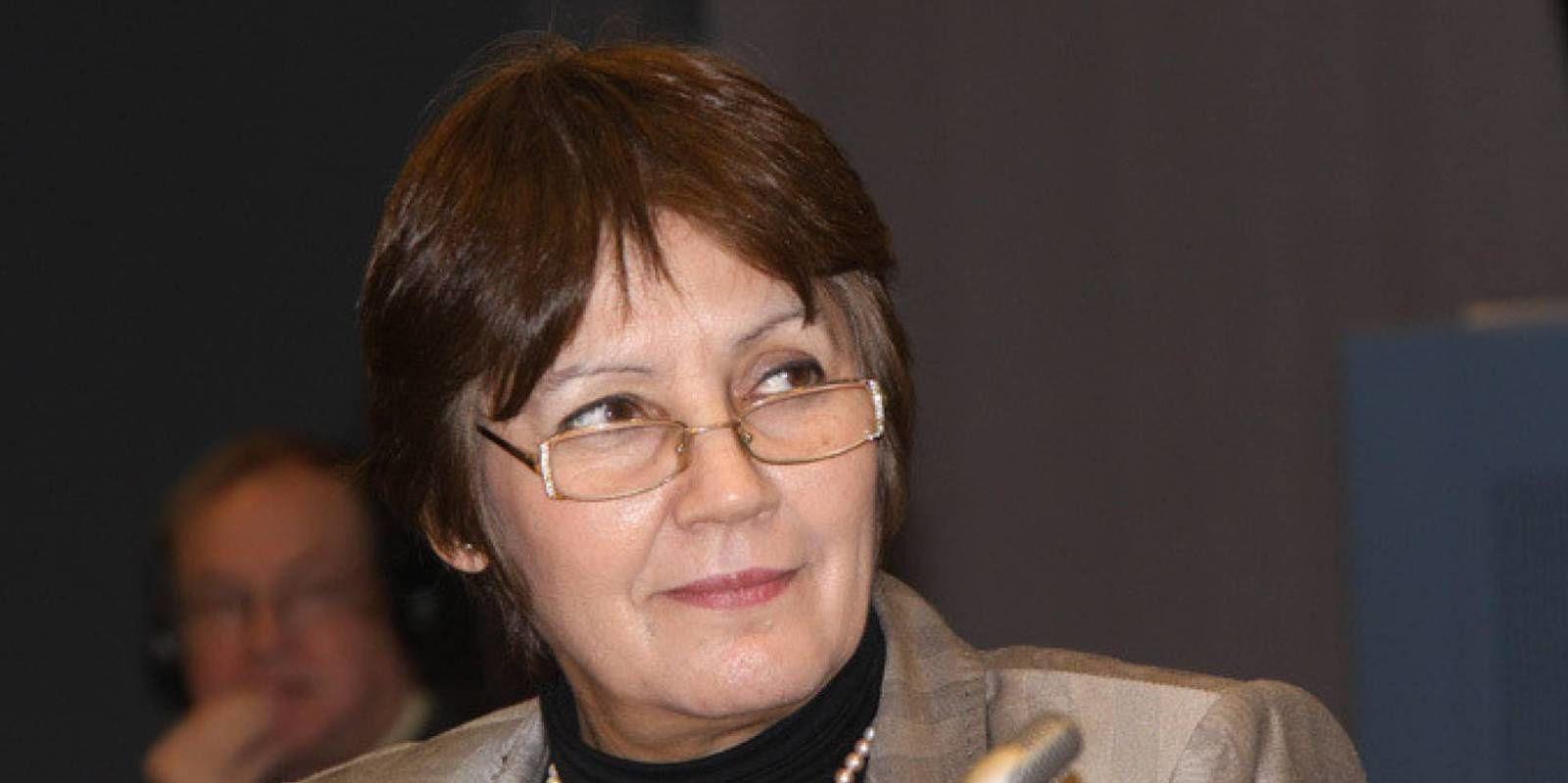La ministra que enfurece a los islamistas de Argelia.