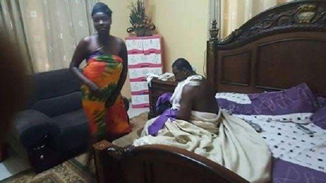 Ghana: publica las fotos de su esposa pillada con su pastor en la cama matrimonial.