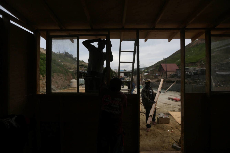 De las ruinas del terremoto de Haití a la frontera entre México y EEUU, la dura vida que nunca eligieron los haitianos.