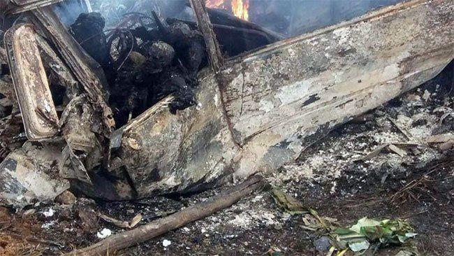 Gabon: Septembre noir au pays gabonais. Un autobús de línea calcinado en Kango, muchos muertos y la nación de luto.