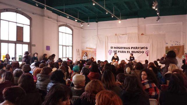 Huelga feminista para el 8 de marzo: 'Sin nosotras ni se produce ni se reproduce, sin nosotras se para el mundo'.