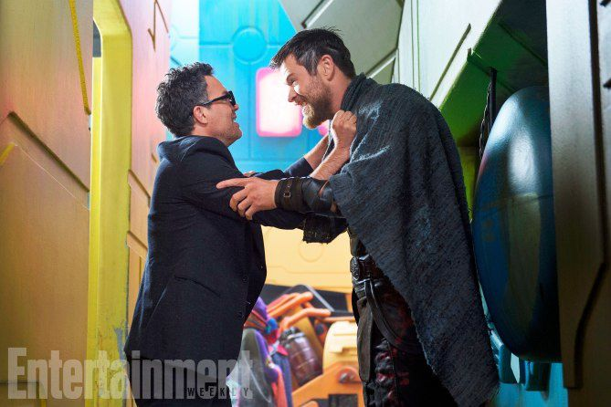 Bruce Banner (Mark Ruffalo) et Thor (Chris Hemsworth)