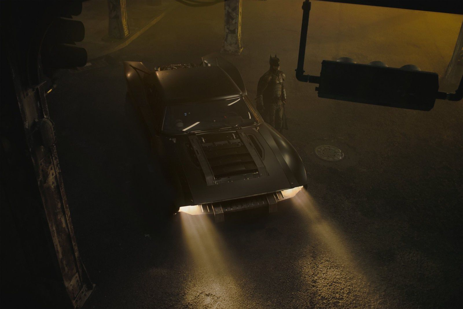 The Batman : premières photos de la Batmobile !