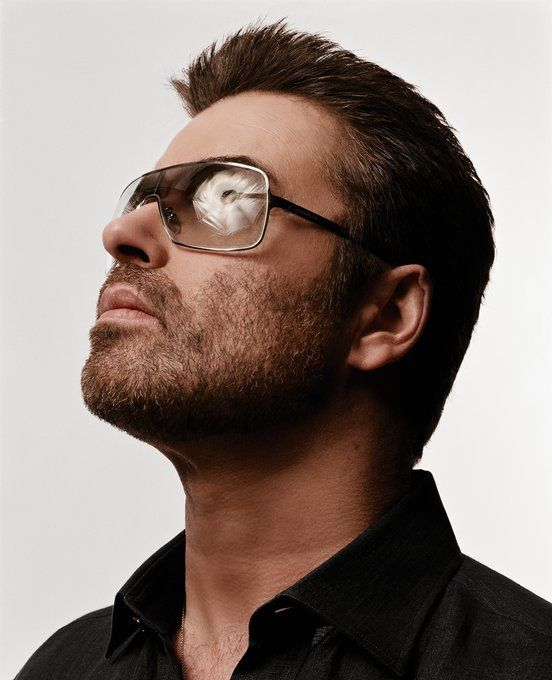 MAGNIFIQUE PHOTO DE GEORGE MICHAEL !