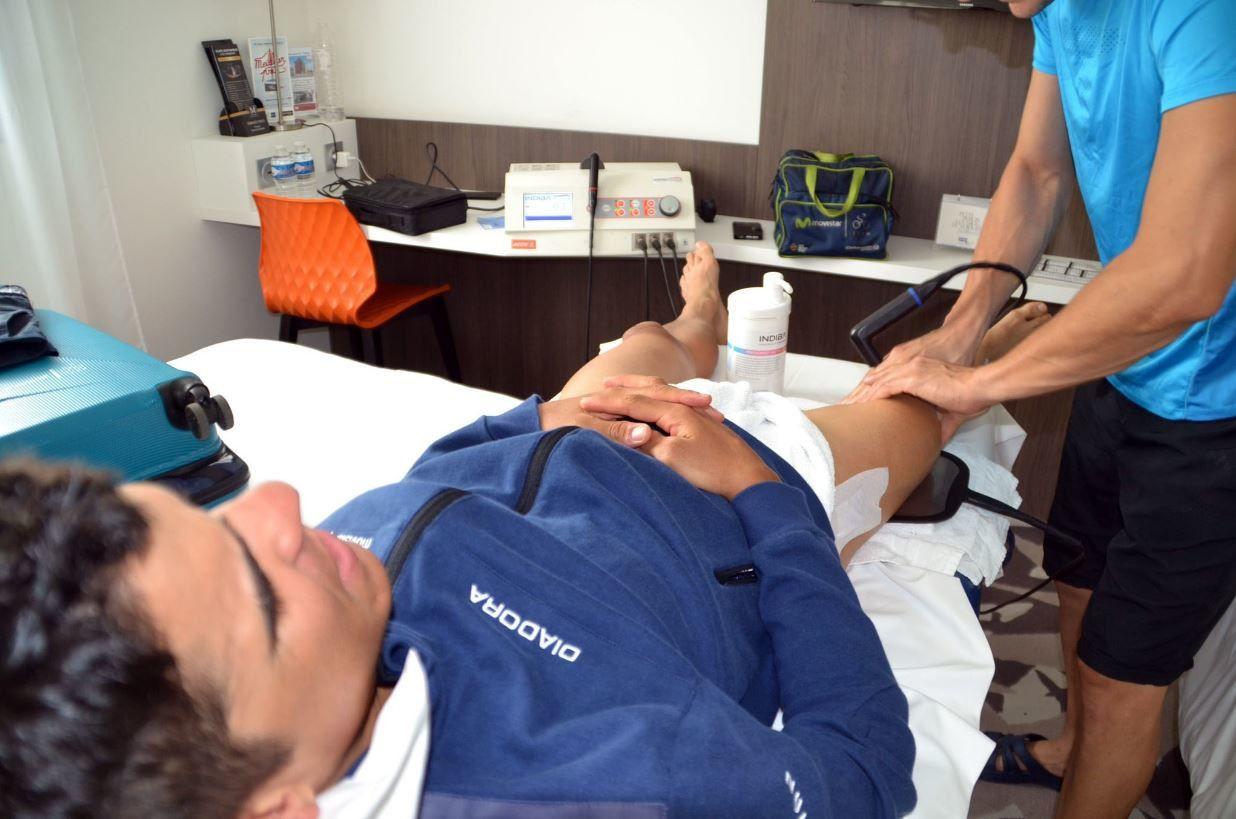 Tour de France : l'équipe Movistar aux petits soins