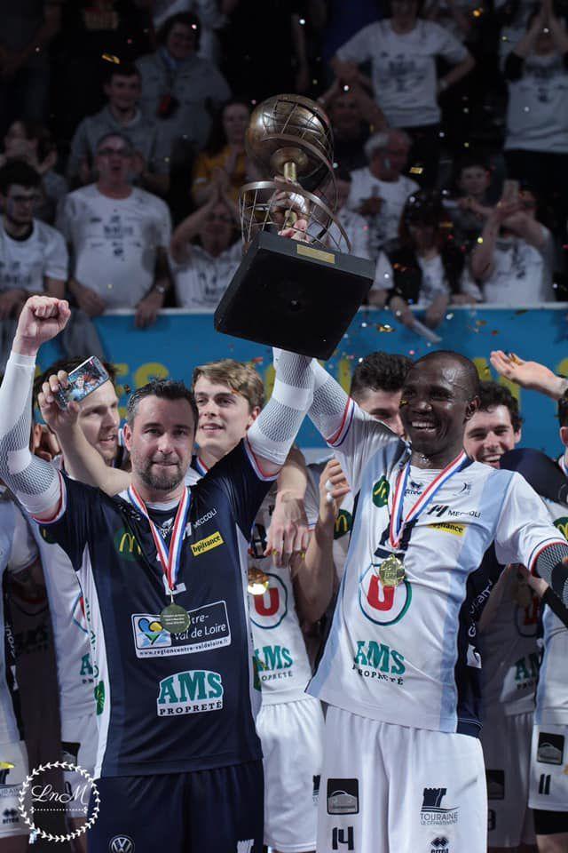 Le Tours Volley Ball décroche un 8ème titre de champion de France !