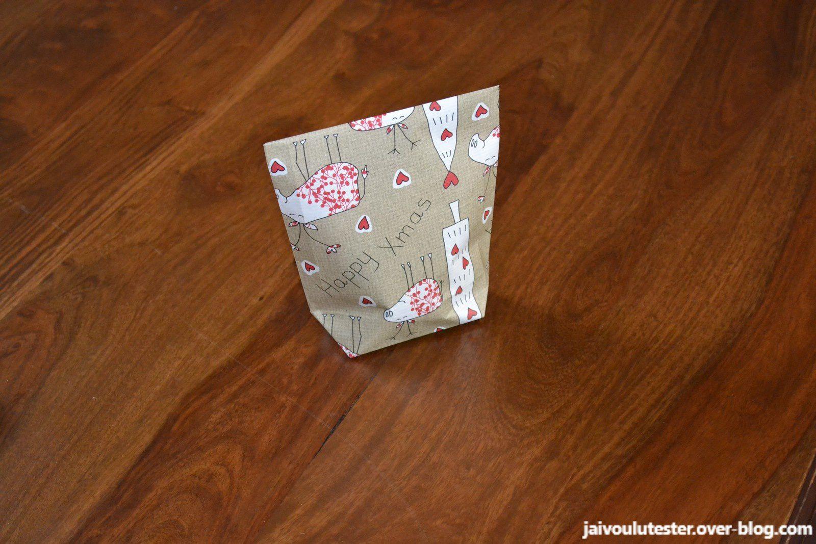 ... l'astuce pour emballer joliment un cadeau sans boîte